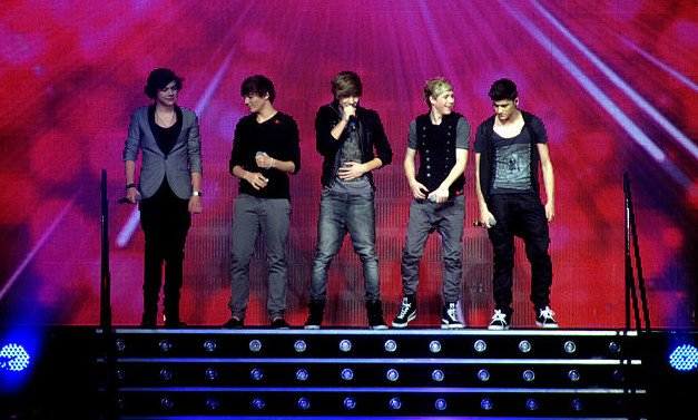 One_Direction_X_Factor_Live_Glasgow_2